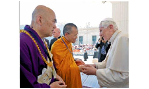 Benedicto XVI con los budistas