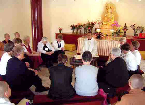 058_BuddhistRetreat.jpg - 61554 Bytes
