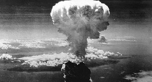Risultati immagini per hiroshima bomba