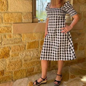 Lee más sobre el artículo Patrones Fibre Mood: Vestido Vichy Mindy