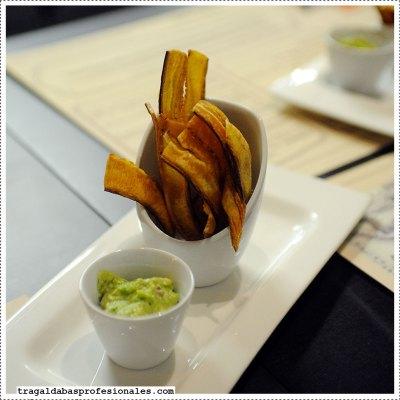 04-tostones-guacamole_w