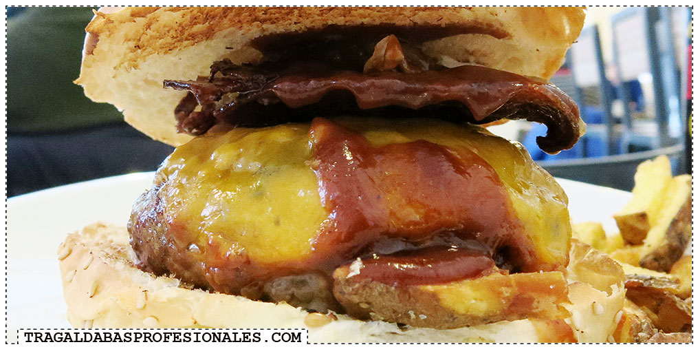 Hamburguesas en Madrid - Bacon cheese burger - Tragaldabas Profesionales