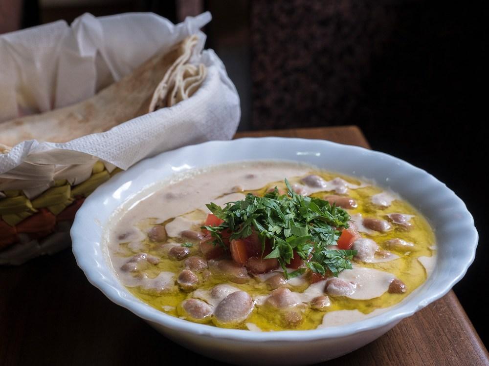 libano-street-food-madrid-tragaldabas-profesionales-foul-yunie