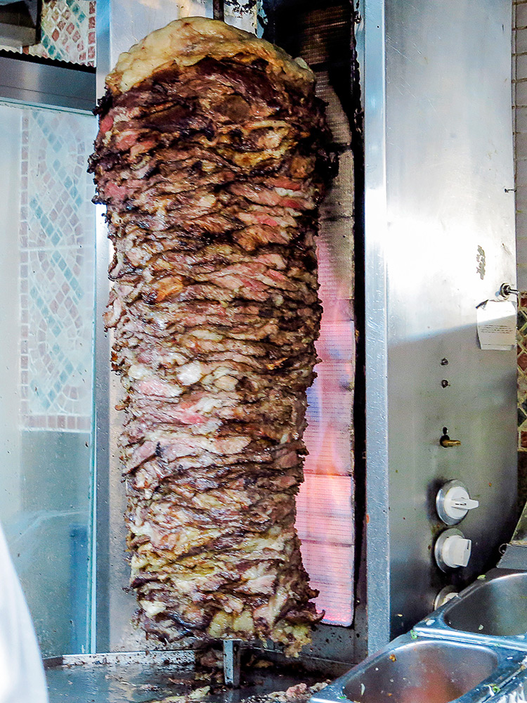 turquia-street-food-madrid-tragaldabas-profesionales-doner-kebab-house