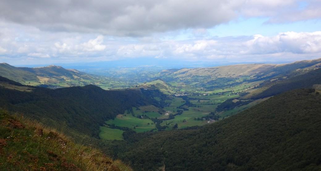 Vue sur la vallée du Claux depuis les pentes du Puy Mary