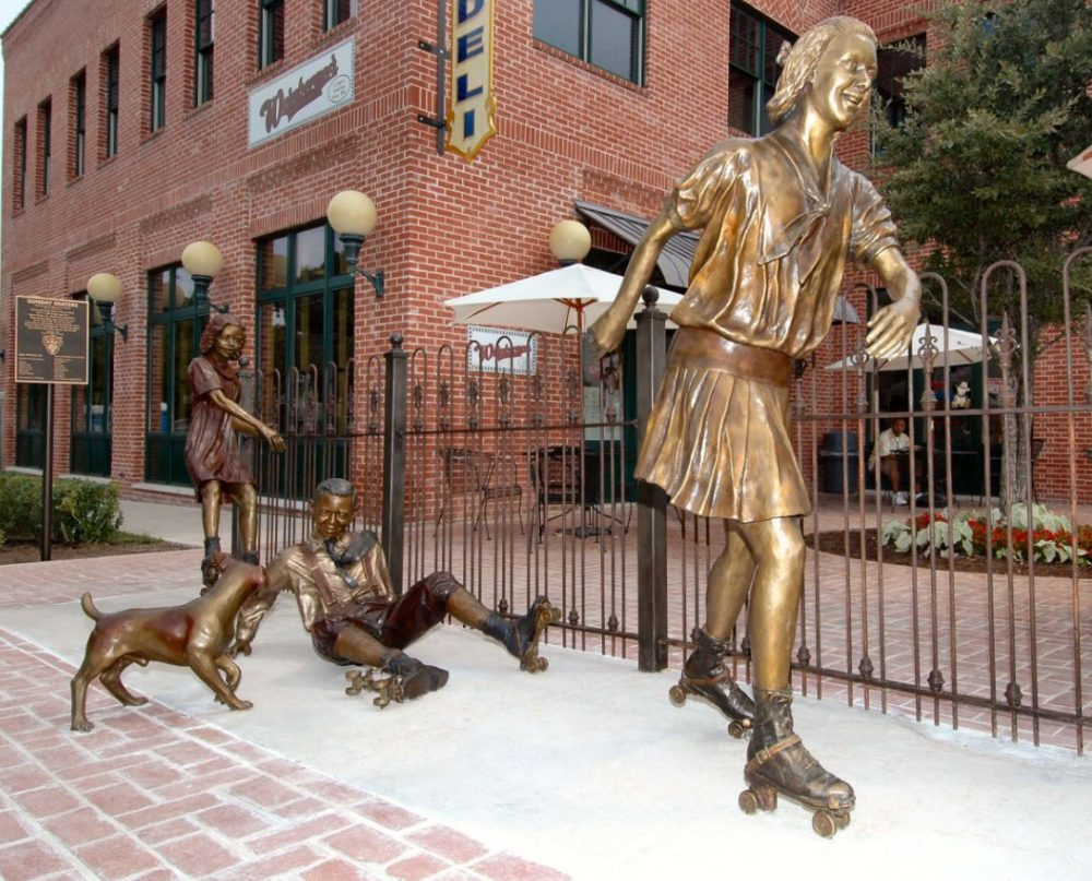 Grapevine, Texas, statues