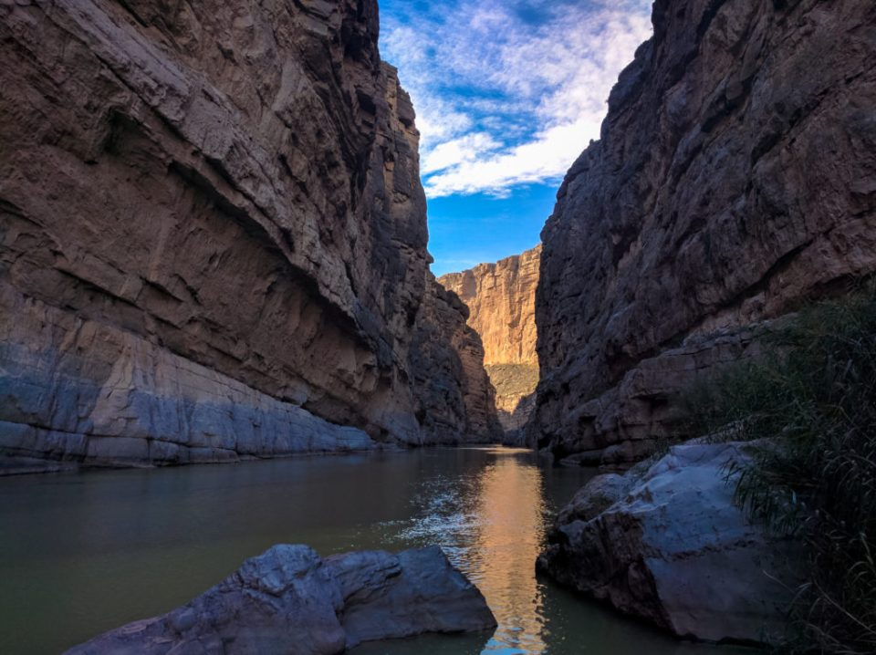 Imagine floating on the Rio Grande wighin the Santa Elena Canyon
