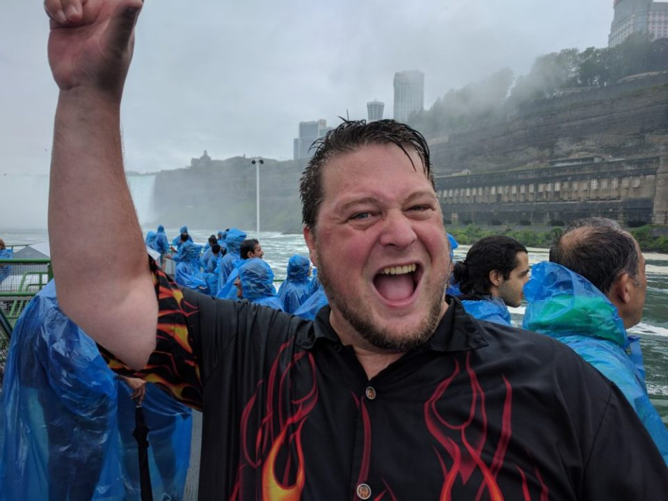 Hitch happy at Niagara falls