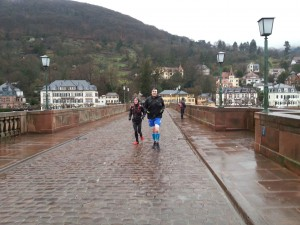 Die letzten Meter über die Alte Brücke