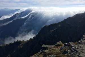 trail-hiking-home-06