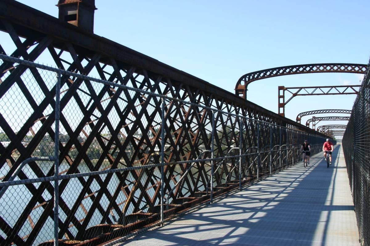 Meadowbank Railway Bridge