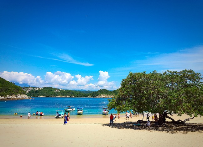 Playa Entrega - Beaches of Huatulco