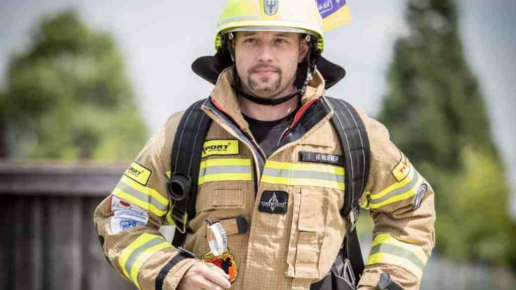 Running Firefighter Holger