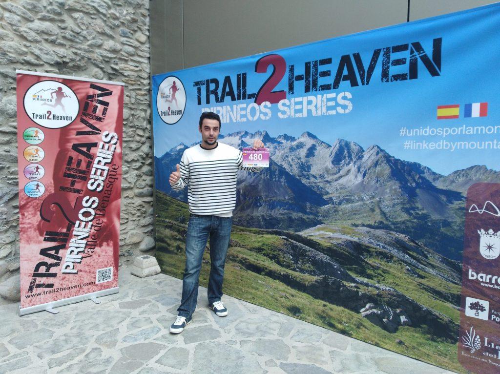 Felipe con su dorsal del Trail 2 Heaven