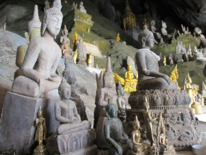 Buddha idols in the Lower caves at Pak Ou