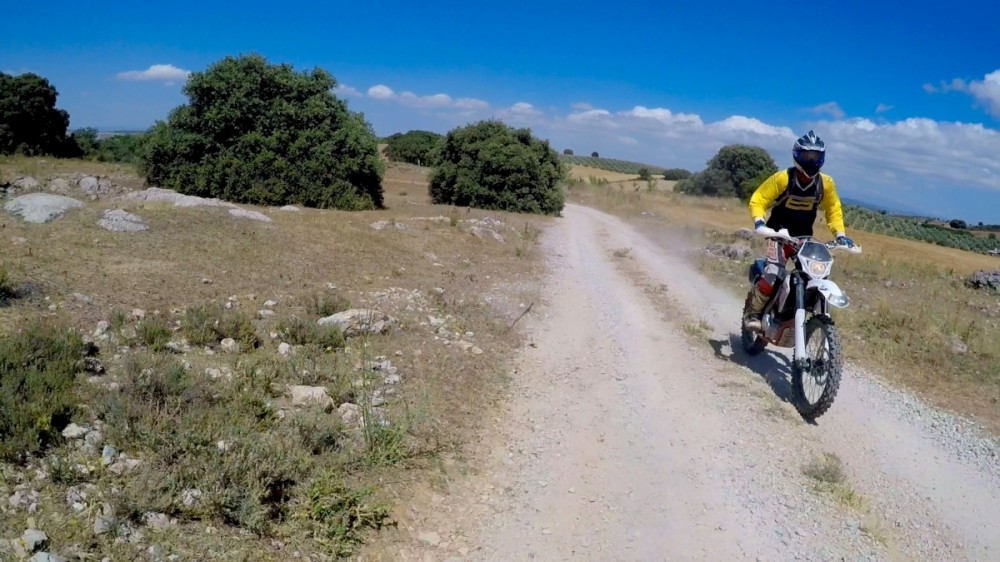 A quick trail ride over to Antequera entails twisty trail roads, rugged mx hill climbs and challenging enduro downhill trails.