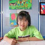 Triển lãm tranh của cô bé có Hội chứng Down tại Thái Lan