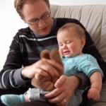 Phát triển cảm giác cho trẻ có hội chứng down: Phần 5 – Ẩn mình dưới thú bông