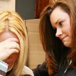 Giúp đỡ người thân đang gặp khổ đau