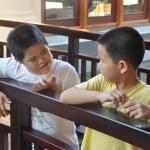 Hình thành kỹ năng giao tiếp cho trẻ chậm PTTT thông qua hoạt động vui chơi