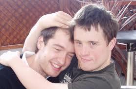 Tommy và anh trai William