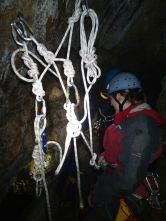 Rigging a releasable abseil (nice high rigging)