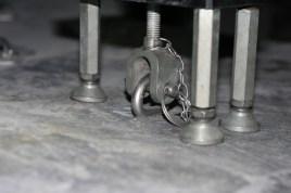 Test rig starting to deform bolt 2