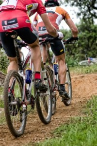2 MTB riders