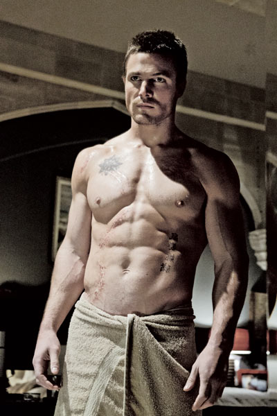 Stephen Amell Staying Lean And In Superhero Shape For
