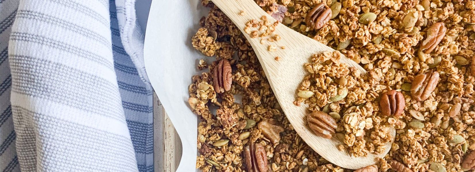Maple Pecan pumpkin granola (gluten free & vegan)