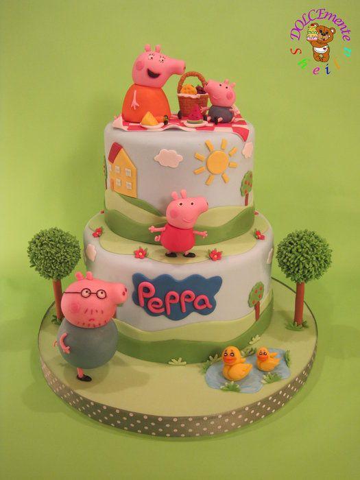 Festa Infantil Peppa Pig: o bolo e os docinhos