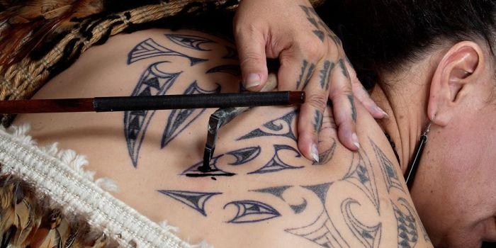 Tatuagem maori informaes significados e muitas fotos saiba tudo sobre a tatuagem maori descubra como ela surgiu qual seu significado e encontre imagens inspiradoras para a sua prxima tattoo thecheapjerseys Image collections