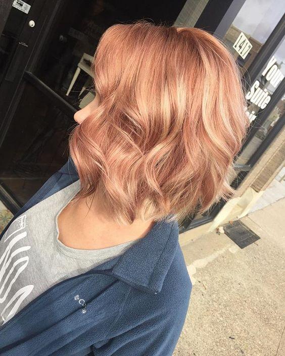 cores de cabelo feminino Strawberry blond