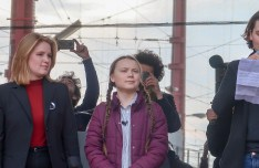 Svenske Greta Thuberg har satt i gang en bevegelse av streikende skoleungdommer. Foto: UNRIC / Emilia Asikainen