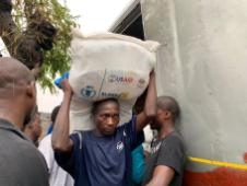 18 March 2019 First food distribution in Beira today WFP/Deborah Nguyen
