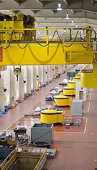 Мыры Адам аталған гидроэлектрлік станция. Ниагара сарқырамасы, Онтарио, Канада.