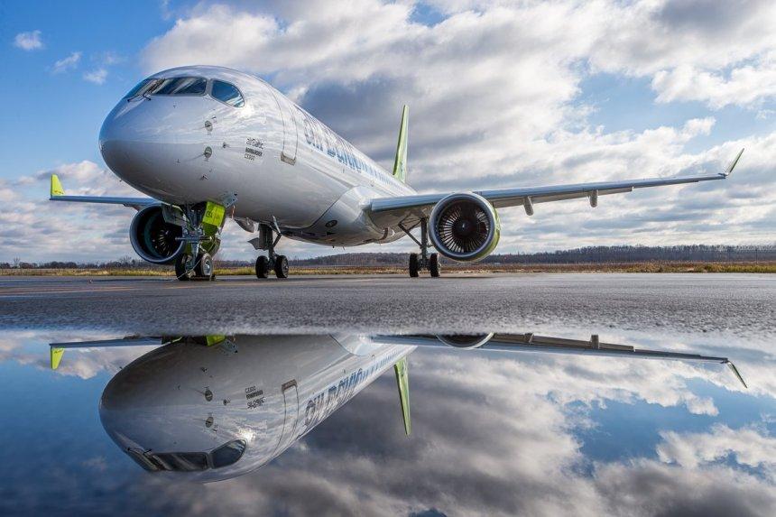 airbaltic-cs300-plane