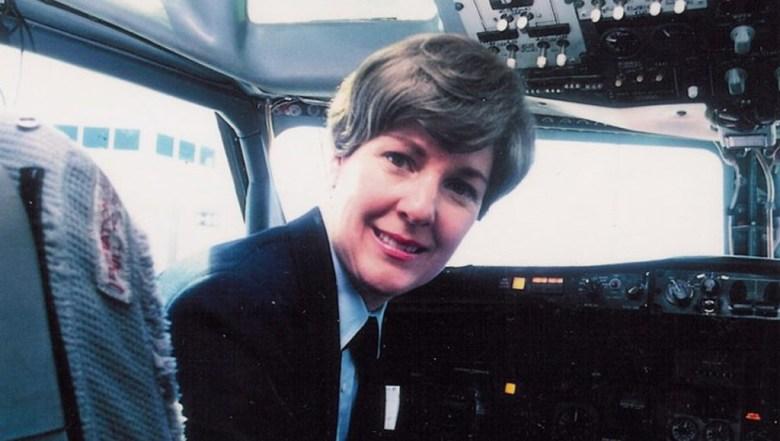 """Emily Howell Warner es conocida como """"Comandante Emily"""" falleció a los 81 años de edad con más de 21 mil horas de vuelo."""