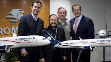 Photo of Presentan aeronaves que transportarán al papa