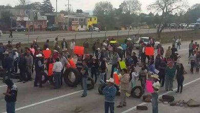 Photo of Manifestantes cierran paso en autopista México-Querétaro