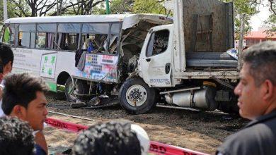 Photo of Camión de carga con dos autobuses; hay 2 muertos y 30 heridos