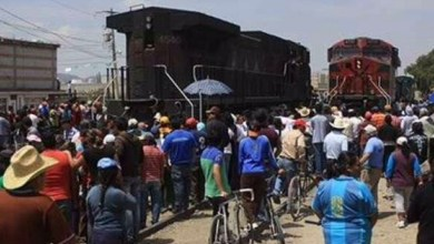 Photo of Con barricadas, delincuentes y pobladores asaltan trenes