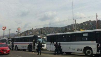 Photo of Normalistas en Oaxaca retienen autobuses para exigir plazas