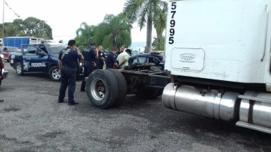 Photo of Aseguran tráiler y detienen a dos en Veracruz