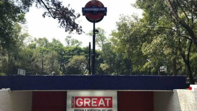Photo of Metro Auditorio se disfraza de Estación Británica