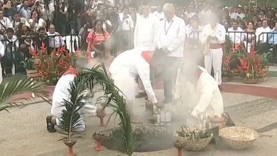 """Photo of AMLO pone en marcha el Tren Maya en ritual para pidiendo permiso a """"La Madre Tierra"""""""