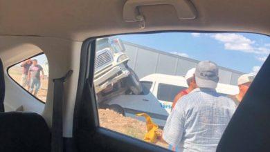Photo of (Video) Impactante momento donde trailer choca van de pasajeros en la 57