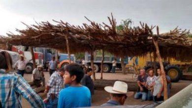 Photo of Yaquis secuestraron a 12 operadores en Vicam