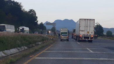 Photo of Normalistas en Michoacán detienen 10 unidades de transporte