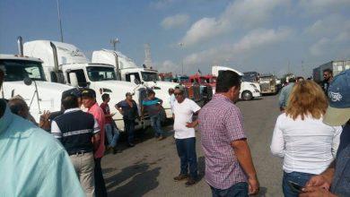 Photo of Transportistas protestan contra SCT en acceso al puerto de Veracruz